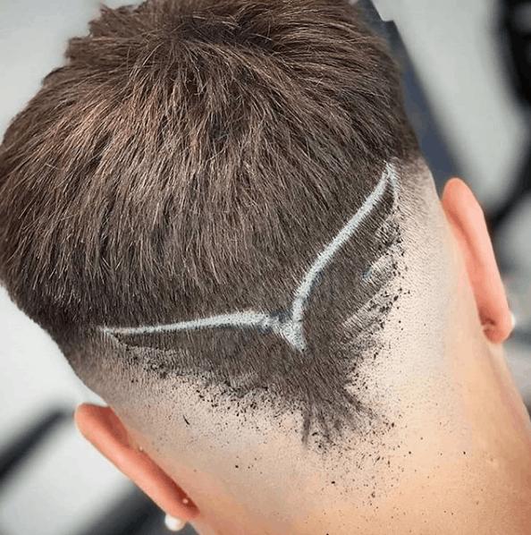 Corte com desenho no cabelo 2021